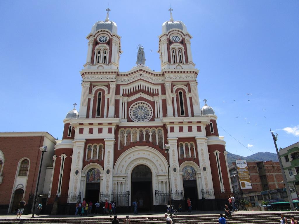 The facade of Iglesia Nuestra Señora del Rosario in Bello