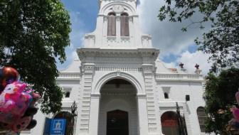 Iglesia de Santa Ana and Parque Sabaneta