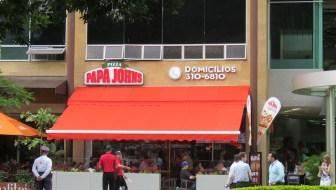 Papa John's Pizza Opens in Medellín