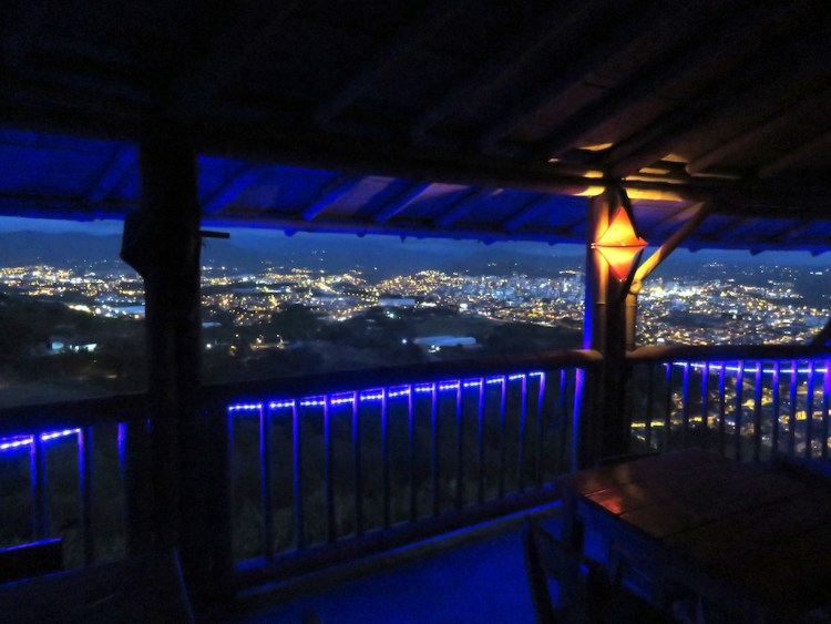 View of Pereira at night from Mirador outlook
