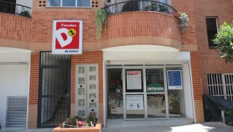 Shopping at Tiendas D1 to Save on Groceries
