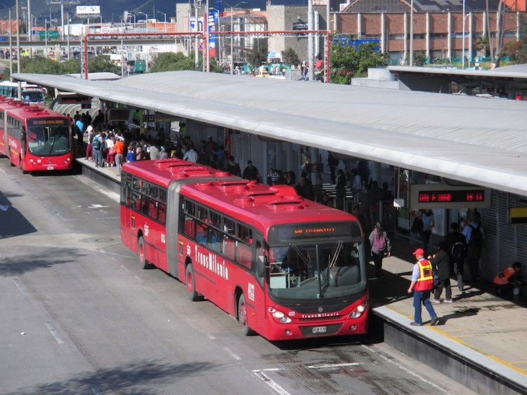 Bogota's Transmilenio buses (Photo by Pedro Felipe)