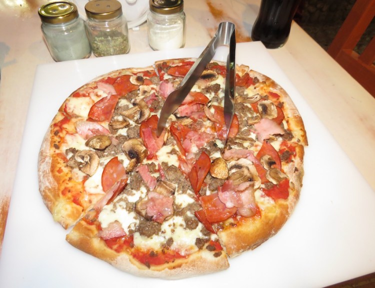 Amantes de la Carne (meat lovers) pizza, my favorite at Pizza en Leña