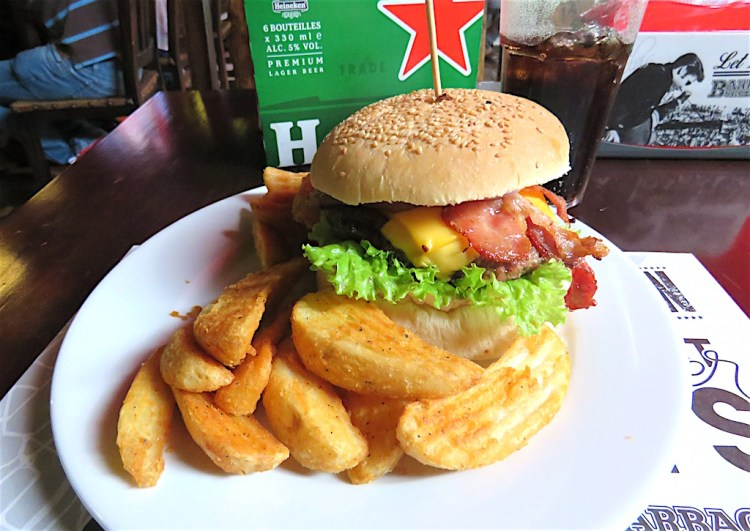 Barbacoa's house burger