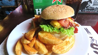 12 Best Burgers in Medellín: The Best Burger Places in Town