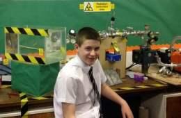 Jamie-Edward-el-joven-cientifi_54402840227_53699622600_601_341