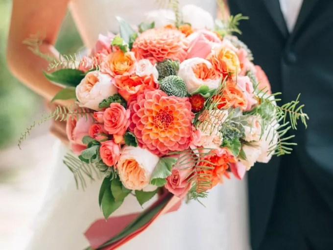 Wedding Flower Guide With Season  Color and Price Details Ultimate guide to wedding flower names  seasons and prices