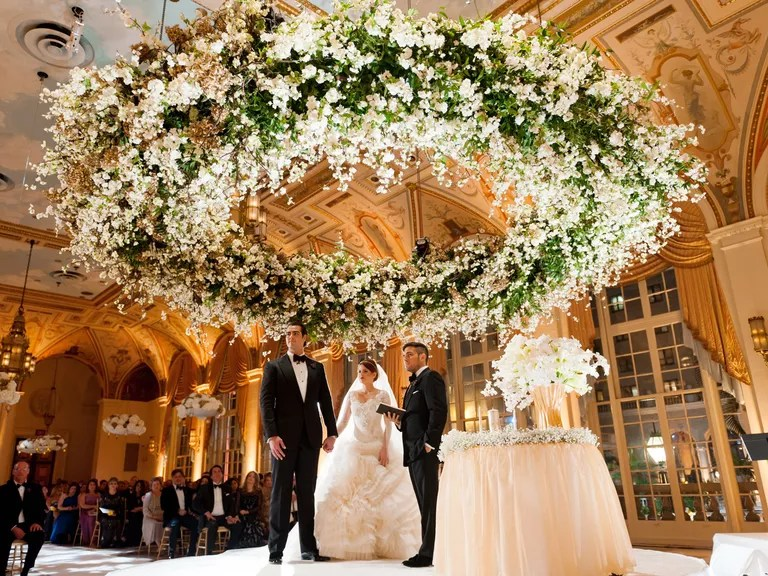Average Cost Of Wedding Flowers: Here's How Much Wedding