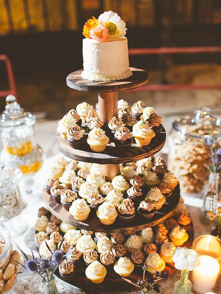 16 Wedding Cake Ideas With Cupcakes Mini Rustic Wedding Cake and Cupcakes