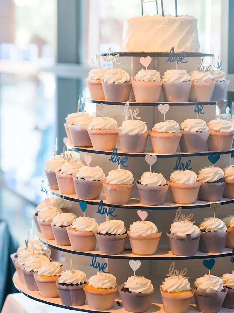 wedding cake ideas with cupcakes