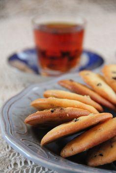 Shirini-e Keshmeshi - Iranian raisin and saffron cookies.