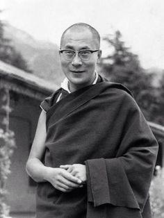 the dalai lama tibetan buddhism holy dalai dalai llamas dalai lama ...