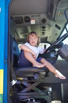 To the Garbage Truck Driver Who Stopped for My Son #autism