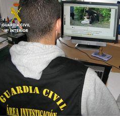 La Guardia Civil detiene a una persona por un presunto delito contra las instituciones del estado a través de las redes sociales Detenido por la Guardia civil  por difundir una imagen de una ejecución yihaidista y expresar su… http://wp.me/p3z3JX-17H @juliansafety
