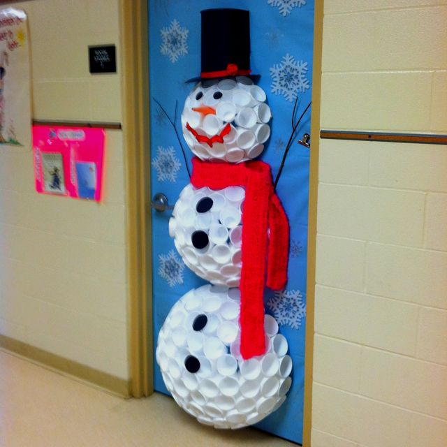 Snowman from styrofoam cups on wall --DOING THIS