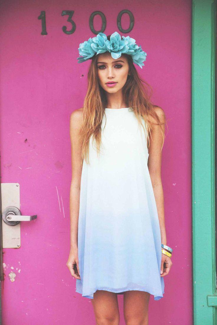 blue pastel spring look