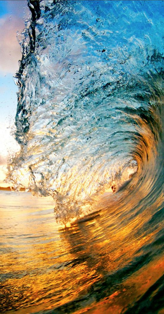 Spectacular Wave Photography by Clark Little