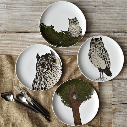 I don't care if it makes me the biggest hipster in the world to admit this: I love these plates.There. I said it.