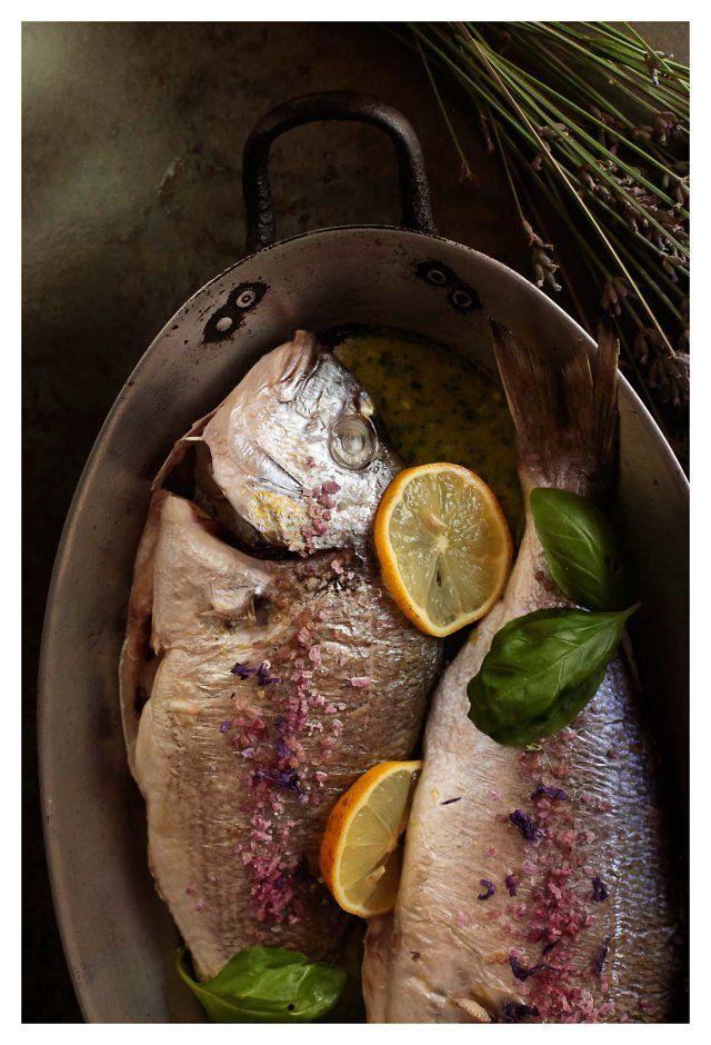 Jesse Gabriel • doradas al horno con salsa de albahaca y limón