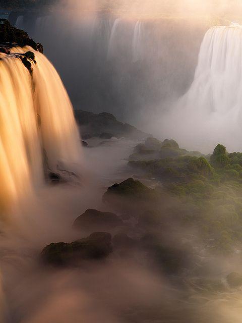 Il Gates di Calypso, Cascate di Iguazu, Brasile - Argentina
