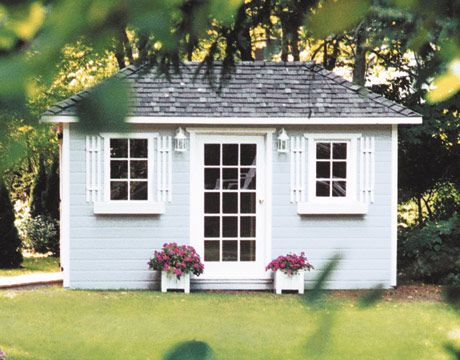 If the Made in the Shade gals were to have their pick o' the sheds - I think this powder blue hut would be in our top 5!