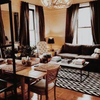 お宅拝見:NYの25歳テイラー嬢のお部屋。
