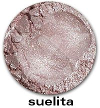 Suelita- A pale rose with silver shimmer and copper sparks. #aromaleigh #mineralmakeup