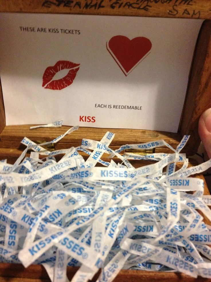 Cute valentines idea my boyfriend made me :)