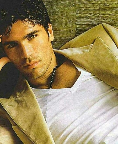 Eduardo Verastegui as Brock