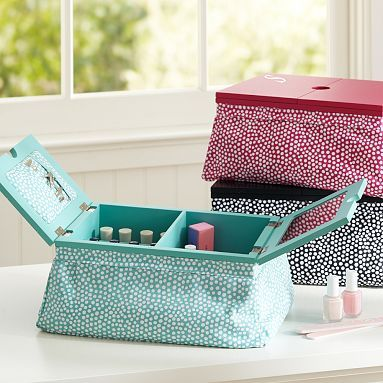 Manicure/Pedicure Lapdesk for nail polish storage. Easy enough to make this!