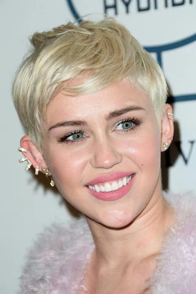Blonde Hair Pixie Cut Miley Cyrus Hair Colour Pinterest