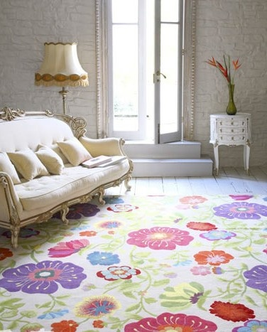 Cheerful flower rug in living room