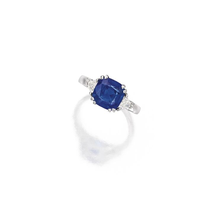 18 Karat White Gold, Sapphire and Diamond Ring | Lot | Sotheby's