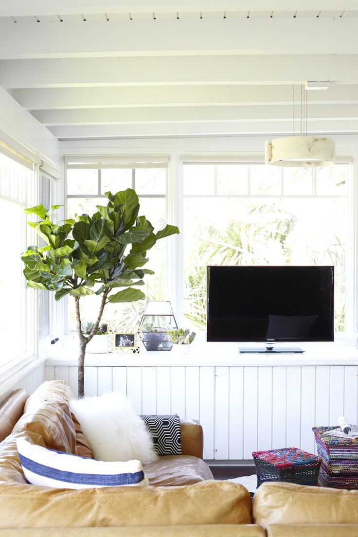 Bright and airy family room makeover