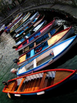 Google Image Result for http://tangoitalia.com/turismo/lombardia/images/garda_barche.jpg