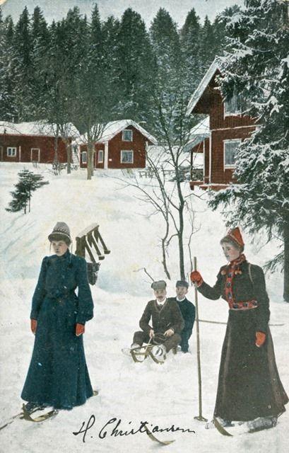 Hvit jul (Translation: White Christmas);   Riksarkivet (National Archives of Norway) on The Commons (Flickr); http://www.flickr.com/photos/national_archives_of_norway/6475927345/