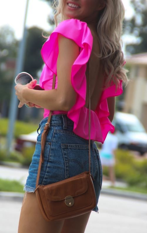 high-waisted-shorts and pink shirt!!