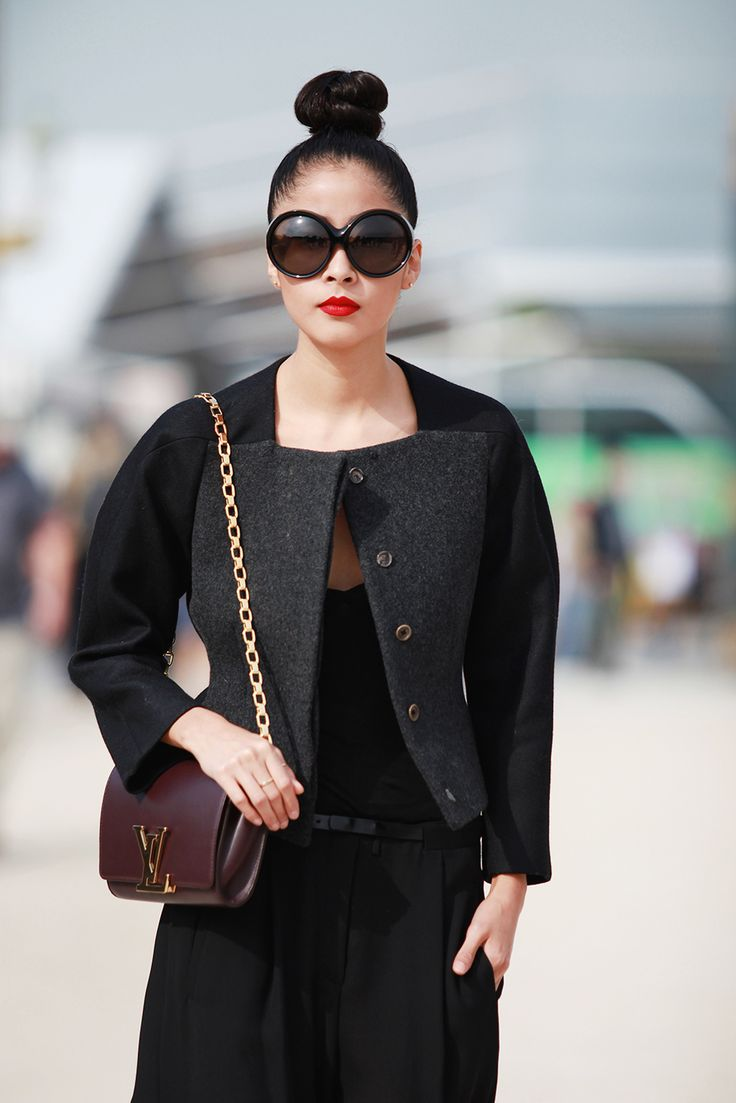 70 Life-Giving Paris Street-Style Snaps #refinery29  http://www.refinery29.com/paris-street-style#slide35  A top-notch topknot!