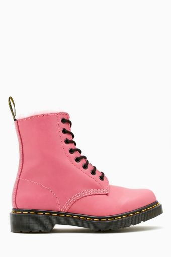 I'm grown up enough now to show these proper loving!!!! Dr. Martens Serena 8 Eye Boot - Pink
