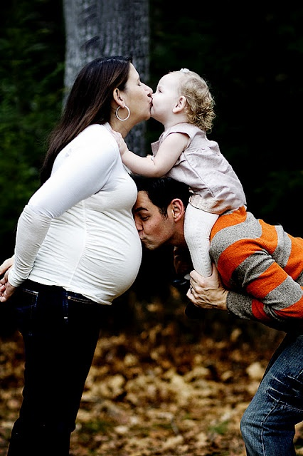 family pregnacy pic! @Stacey McKenzie Noonan do this for your next one!! ;)