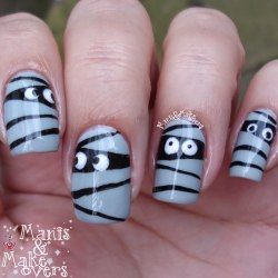 Manis & Makeovers: Funny little mummies - simple Halloween design