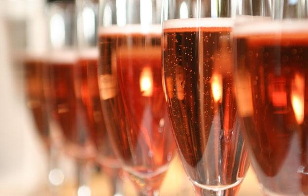 Fizzy pink champagne
