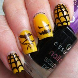 Halloween black and yellow nail art - Light Your Nails!