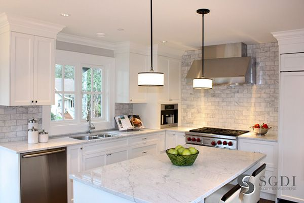 I love the size, color, and layout of this kitchen!