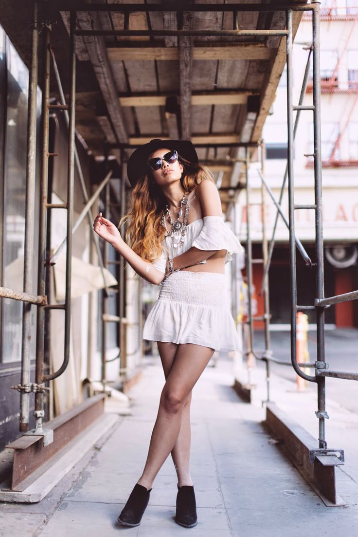Little Black Boots: Designer Womens Oversize Metal Plastic Cat Eye Sunglasses 9207