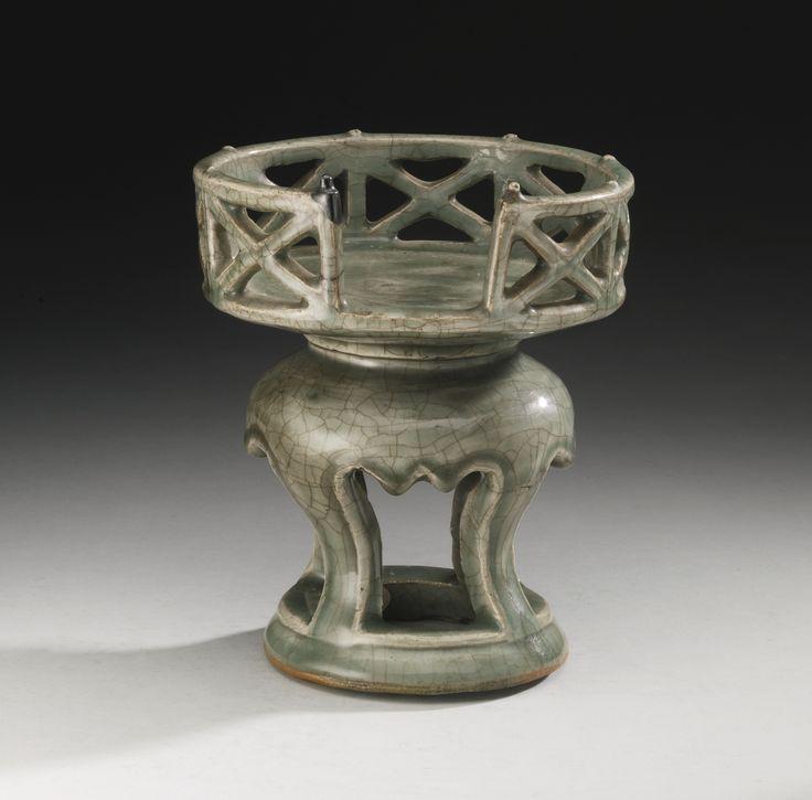 A Zhejiang celadon stand, Yuan-Ming Dynasty