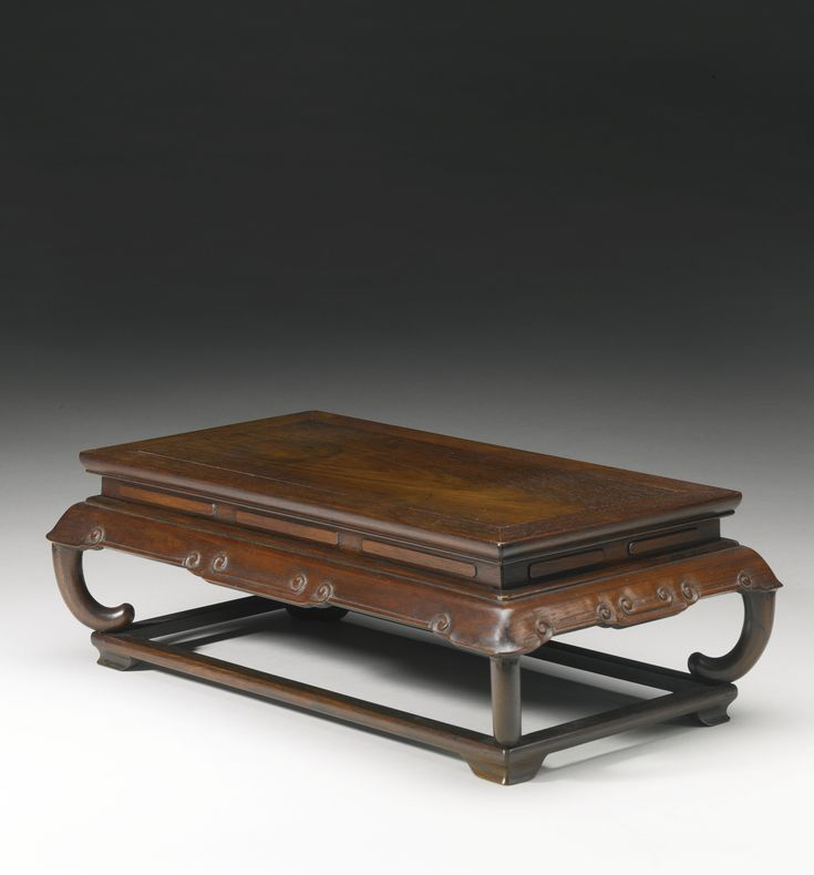 A hongmu waisted stand, Qing dynasty, 17th-18th century