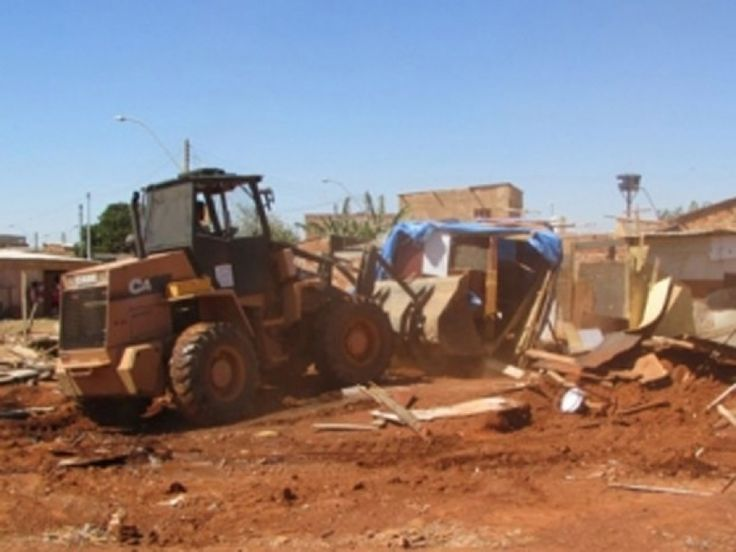 10/9/14 - megaoperação de desocupação de 16 áreas públicas no DF, sob comando da AGEFIS e da SEOPS, com fotos de Valter Al-Karismi