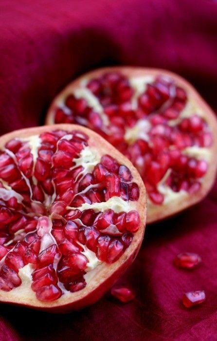 Lo sapevate, melograni sono uno dei frutti più sani si può mangiare?  Sono pieni di antiossidanti!  Inoltre, come bonus aggiuntivo, sono semplicemente deliziosi.