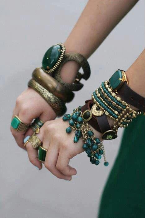 https://www.bkgjewelry.com/ruby-rings/268-18k-yellow-gold-diamond-ruby-solitaire-ring.html ...lovley